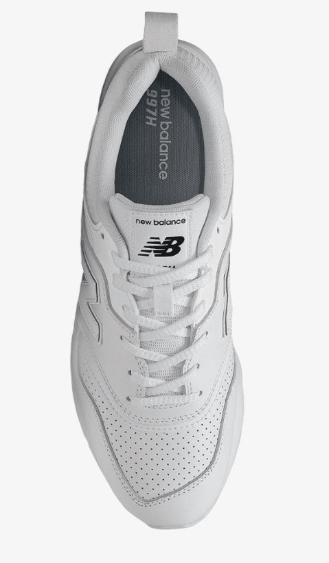 รีวิวรองเท้า รองเท้าผ้าใบสีขาว
